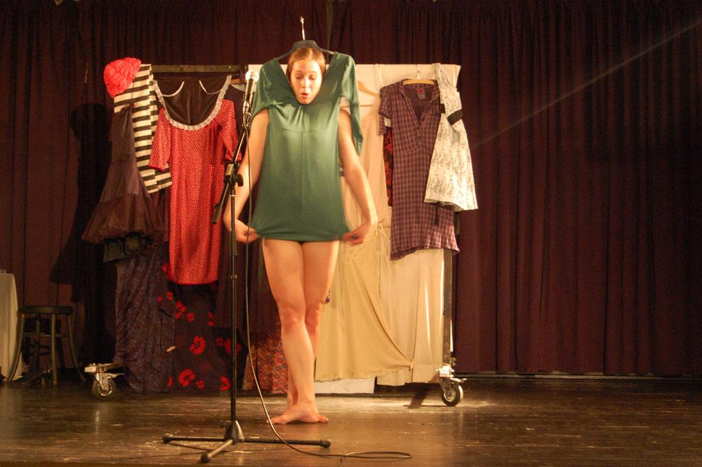 VRRRH ŽENY KAMENEM taneční divadlo / Klub Art