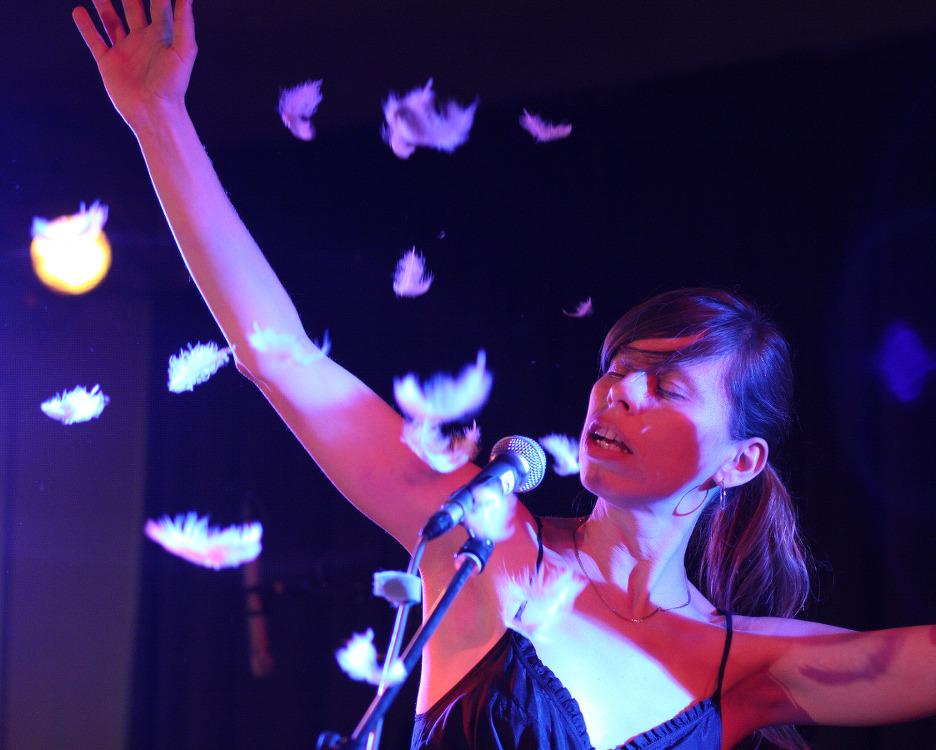 LONGITAL + LADĚ / koncert / 25. 9. 2010 // Klub ART