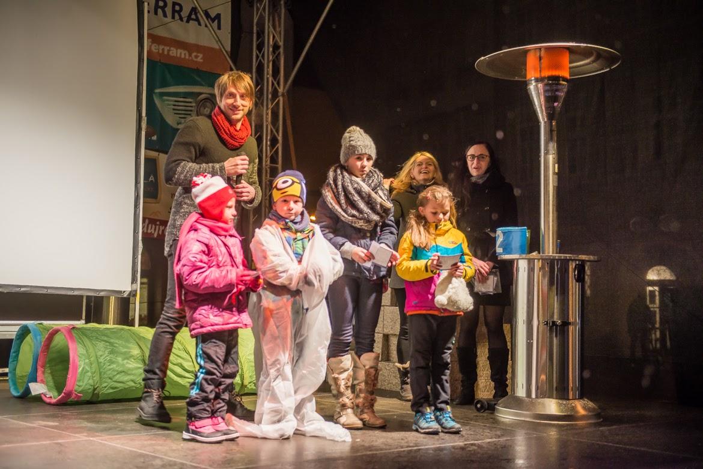 LEDOVÁ SHOW / led, hry, dárky a hudební večírek / 30. 11. 2016 / Opavská kulturní organizace