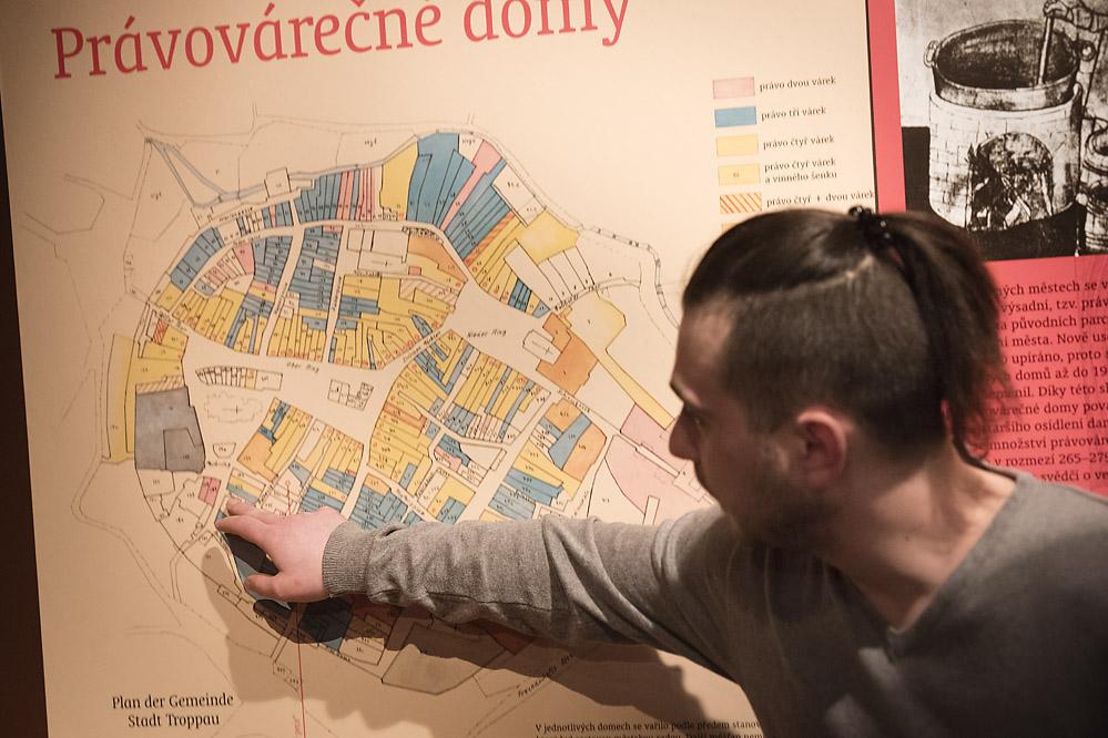 Komentovaná prohlídky výstavy Opavský pivovar/ Expozice Cesta města