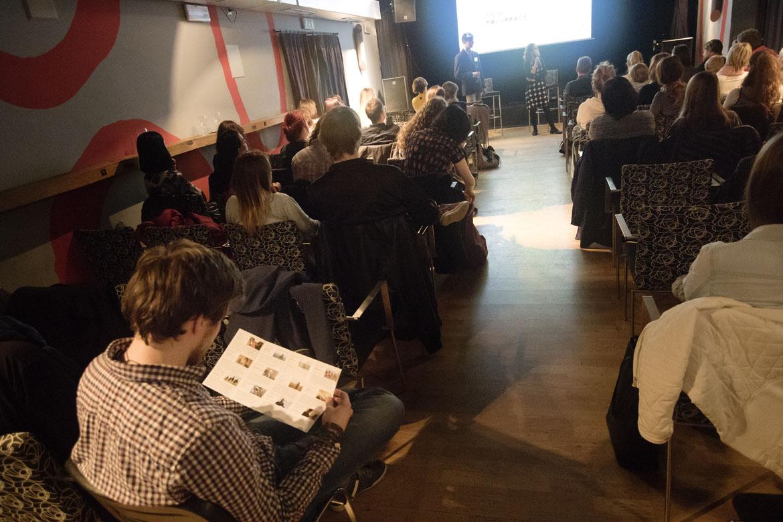 JEDEN SVĚT V OPAVĚ 2017 / zahájení festivalu, projekce, debata / 27. 3. 2017 // Klub Art
