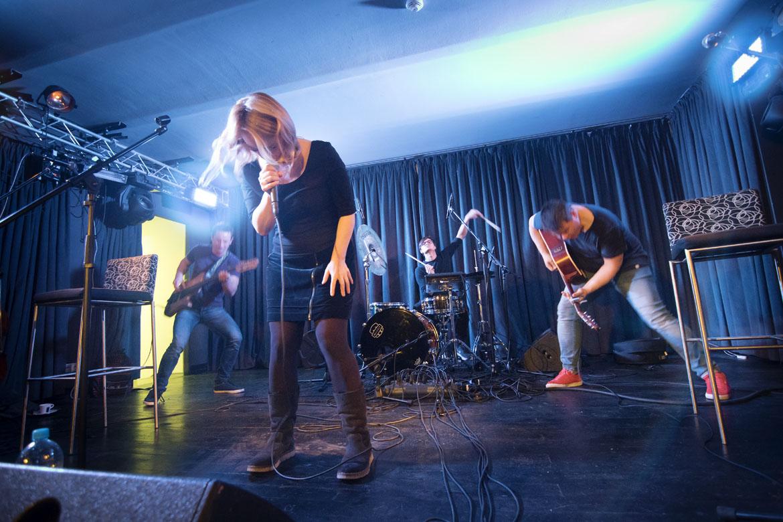 koncert JANANAS + TAMALA / 10. 11. 2017 // Klub Art