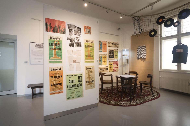 výstava BIG-BEATOVÁ ŠEDESÁTÁ / 8. 2. – 29. 4. 2018 // Galerie Obecního domu