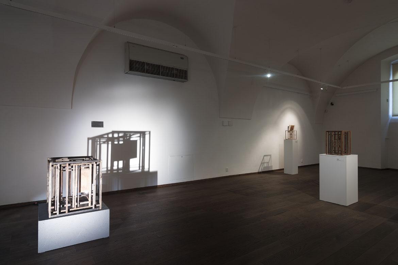 výstavy JOSEF ODRÁŠKA, ROMAN VONDROUŠ, LIBOR HŘIVNÁČ, ZBYNĚK SEKAL / 1. 11. – 31. 12. 2018 // Dům umění