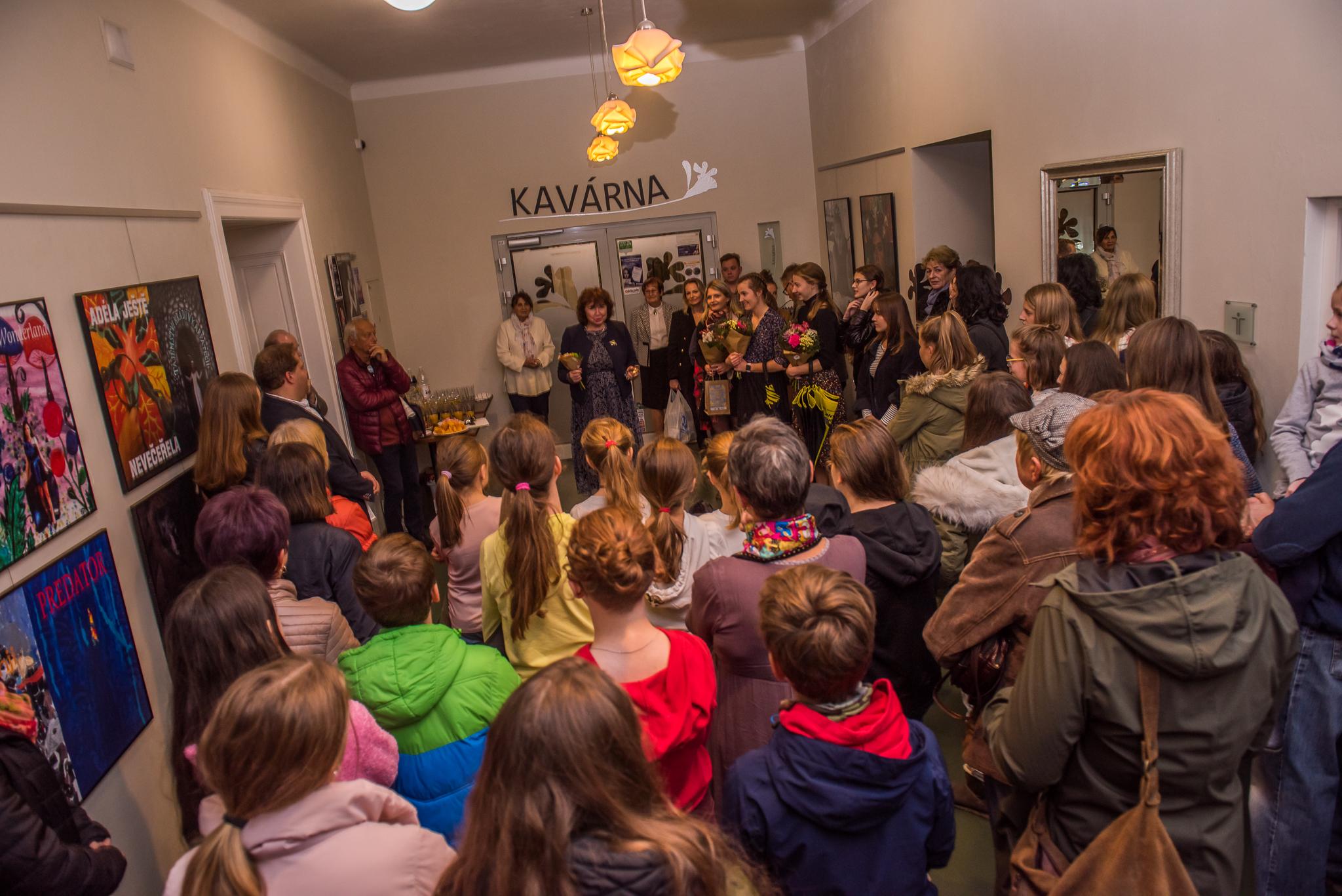 vernisáž DĚTI Z PLAKÁTU / 6. 11. 2019 // foyer Obecního domu